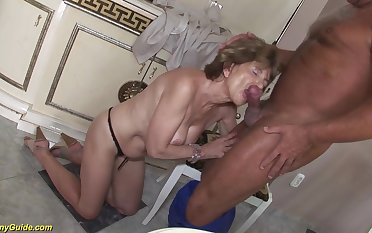 Hairy bush grandma mode extreme deepthroat and gets rough ass fucked