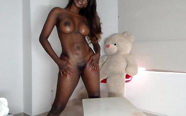 Chocolate Ebony Babe Destorys Her Pussy
