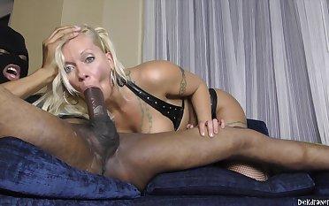 Horny Blue-eyed Hair Lady Crackwhore Sucking A BBC