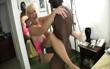 Busty grown-up unskilled gives a great blowjob