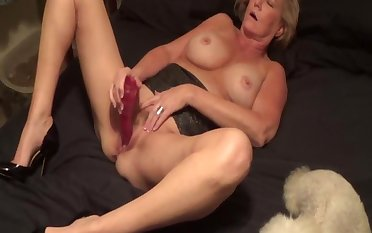 Little Linda plays with herself loyalty 2
