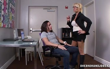 Robust mature blonde Gina gets mere and wants get under one's dick!