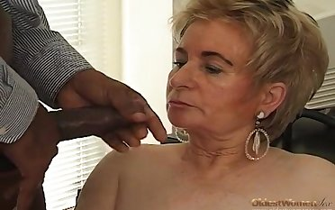 Black boss fucks blonde old scrivener on the table