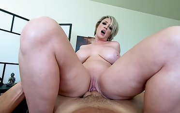 POV massage, fuck and cumshot with acclaimed saturated MILF Dee Williams
