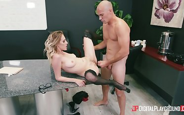 Secretary spreads legs of the boss and gets laid on the writing-desk