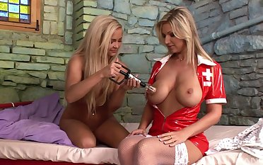 Oddball lesbian sex denouement patient Mantra coupled with nurse Jenna Beautiful