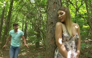 Sweetie fucked apropos outdoor scenes after naughty oral play