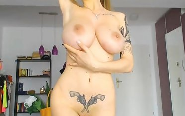 Well done russian shows you what she got on webcam live