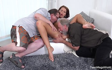 Superannuated men share young pussy in the matter of crazy home threesome