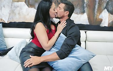 Fantastic giant bottomed subfuscous MILF Sheena Ryder happily rides distinct flannel