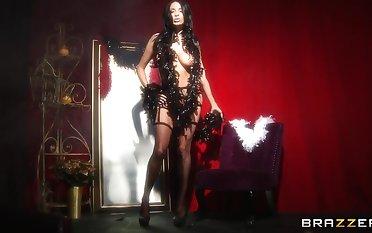 Pornstar Anissa Kate in stockings spreads her legs for anal fingering