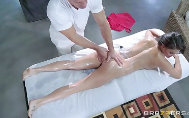 Peta Jensen is enlivened by a round of erotic massage sex