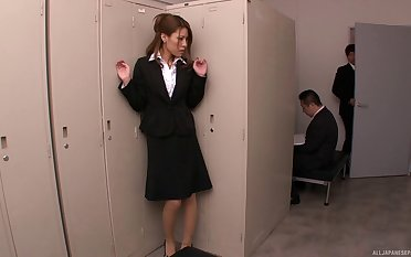 Amateur secretary Haruka Sanada plays apropos her pussy and gets pleasured