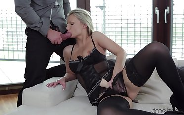 Sexy blondie Samantha Jolie double penetrated with a dig up and a dildo