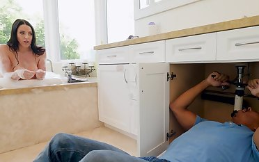Excellent beauty stops cleaning involving be transferred to lodging of a round of sex with be transferred to coloured plumber