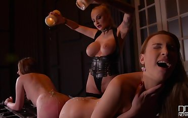 Kayla Green & Liona Levi & Doozy Love in Smoking Hot: Lesbian Teens Ass Fucked By Busty Dominatrix - KINK