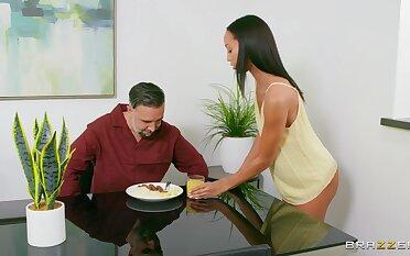 Fresh unshaded goes full mode on her stepdad's energized penis