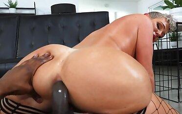 Liquid fills Kaden Kole's ass being drilled by Isiah Maxwell