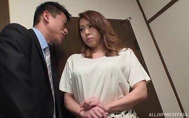 Naughty neighbor's wife Yumi Kazama drops on her knees yon give hophead