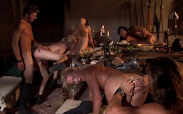 Strong orgy during dinner with a bunch of ladies