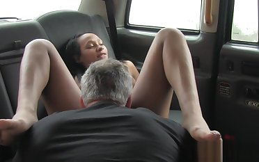 Nubian taxi handsomeness pounded about tight pussy