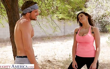 Suitability chick Becky Bandini gives a blowjob and gets laid outdoor after jogging