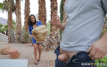 after a blowjob Kaylani Lei can't wait give onto b attack a hard penis