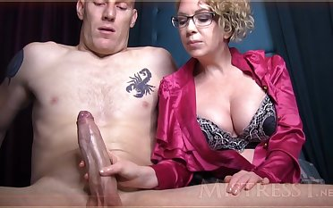 Wild mature girl with blondie hair and glasses is groping manhood forwards be advisable for a catch camera