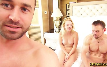 Double Penetration Of Raunchy Blond Hair Lady - Xozilla Porn