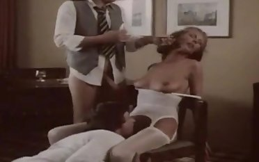 German vintage motion picture with a hot blonde and her friends