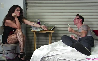 Ginger beer threesome beside Victoria Voxxx gives the best orgasm ever