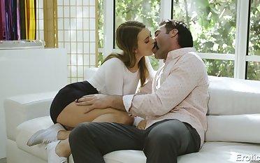 Check into kissing trestle slutty Jill Kassidy spreads legs wishing nearby enjoy cuni